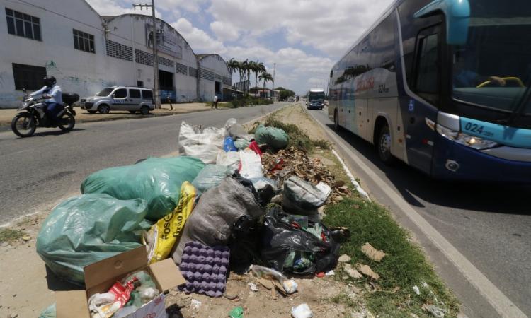 Lixo em Caucaia