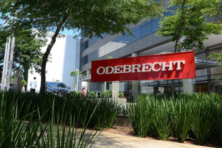 A Odebrecht não comentou o pedido de falência feito pela Caixa.