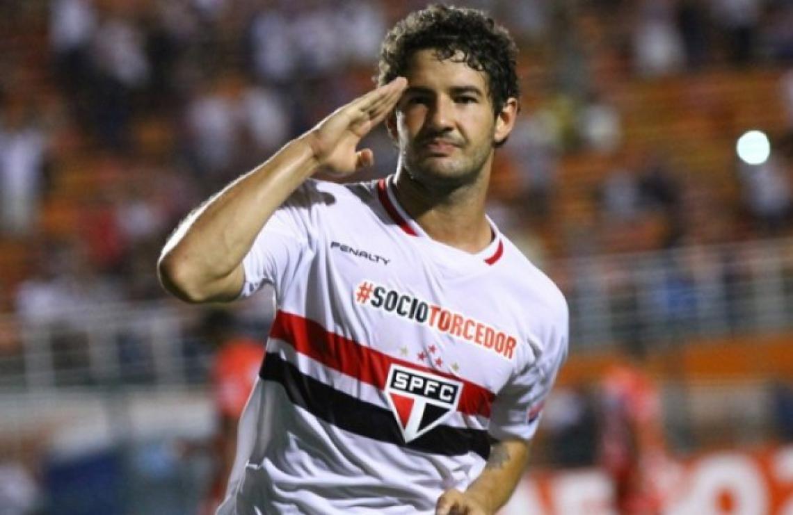Pato foi desfalque do São Paulo em boa parte da temporada