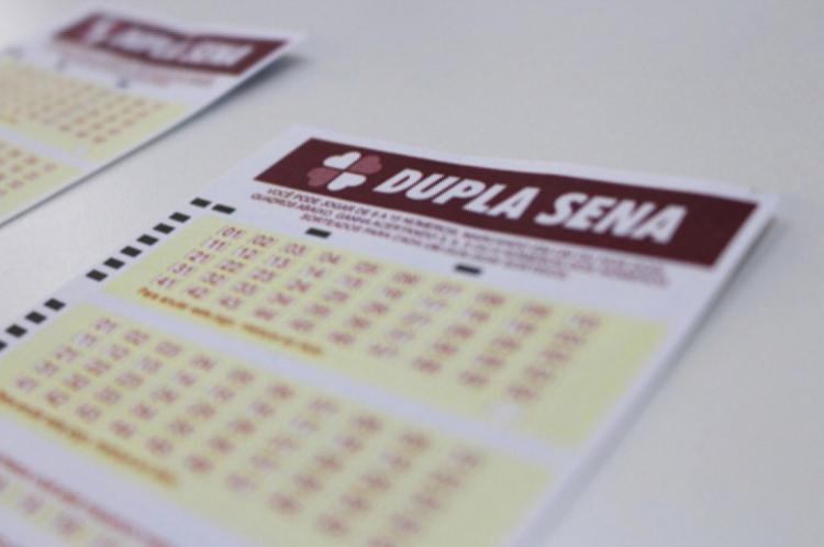 O sorteio da Dupla Sena Concurso 1995 ocorreu hoje, sábado, 5 de outubro (05/10), por volta das 20 horas. O prêmio está estimado em R$ 9 milhões. Confira resultado