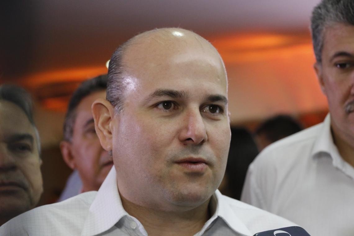 Roberto Cláudio e sua lista de preferidos para a Câmara Municipal. (Foto: Mauri Melo/O POVO).