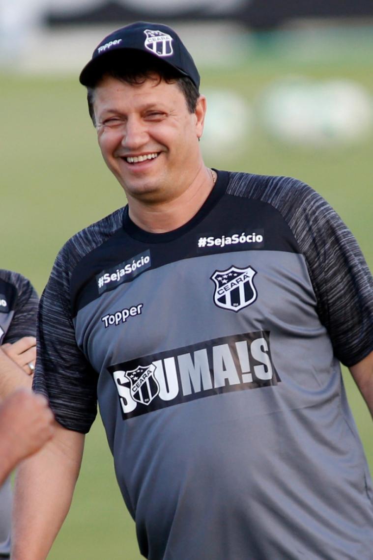 Adílson Batista iniciou seu trabalho no Ceará.