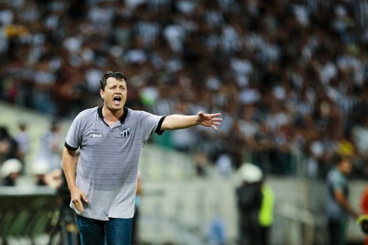 Adílson Batista comandou o Ceará por 13 jogos em 2019, na Série A do Brasileiro (Foto: AURELIO ALVES)