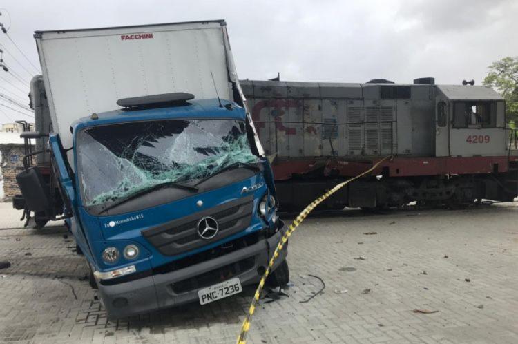 Duas pessoas ficaram feridas