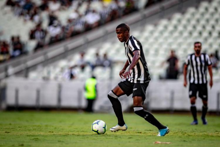 Fabinho se tornou titular do Ceará desde semifinal do Nordestão  (Foto: Stephan Eilert/Ceará SC)