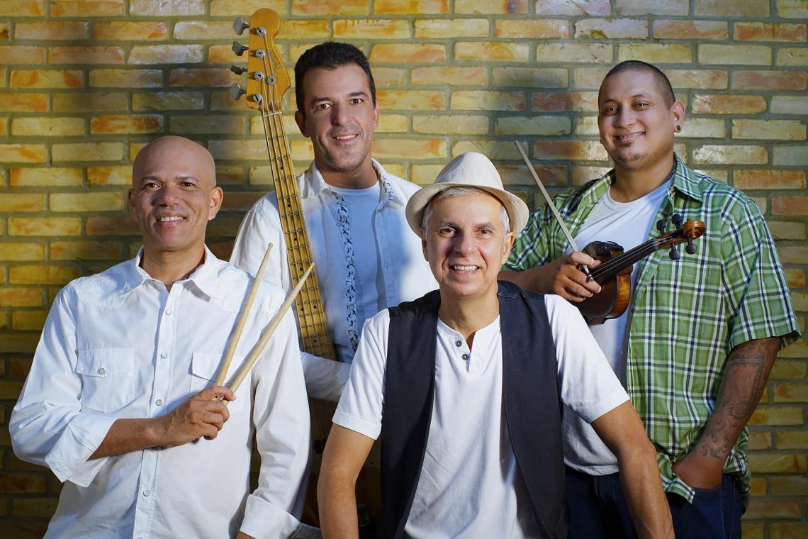 A banda Zé Dazefa comemora 20 anos nesta quinta-feira