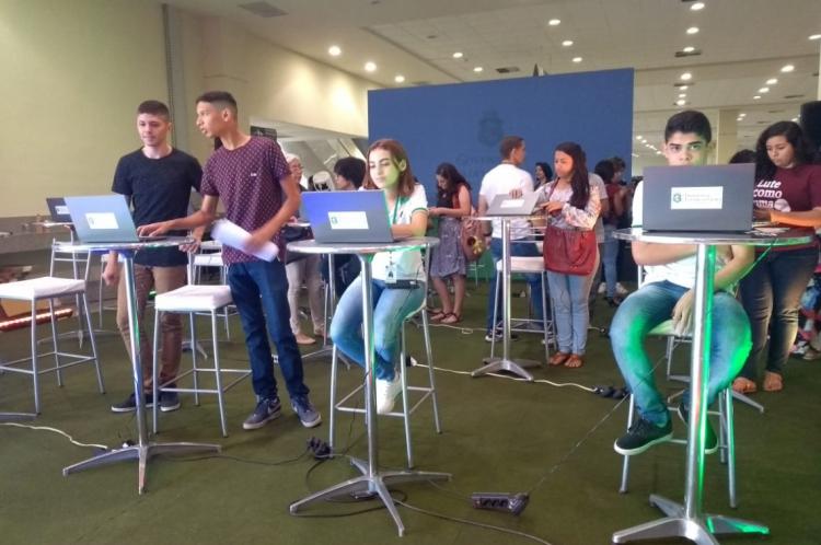 12 mil estudantes foram contemplados com notebooks nesta edição da premiação