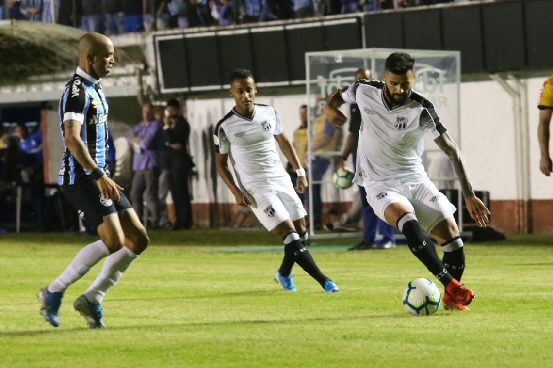 Ceará foi derrotado pelo Grêmio em Caxias do Sul e ampliou jejum de vitórias