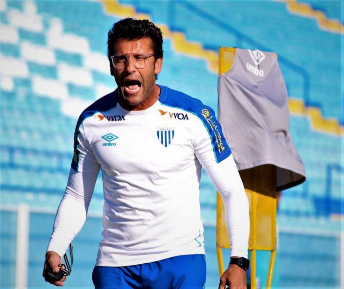 Alberto Valentim deixa o Avaí após 15 jogos