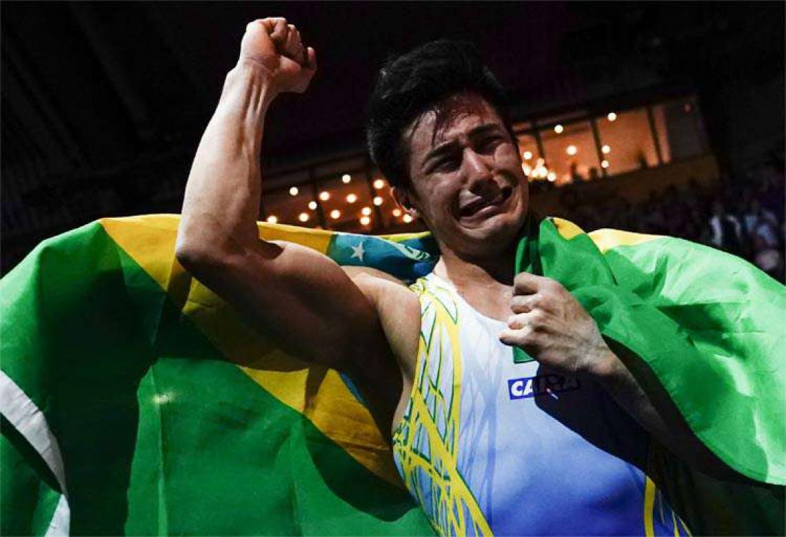 Agora o Brasil conta com quatro campeões mundiais. Daiane dos Santos, Diego Hypolito e Arthur Zanetti também já estiveram no lugar mais alto da ginástica internacional