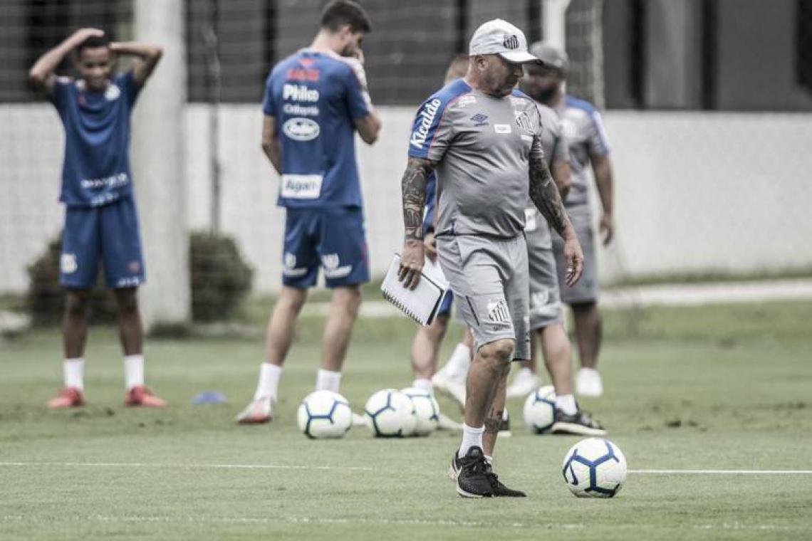 Sampaoli relaciona 23 jogadores no Santos para enfrentar o Ceará
