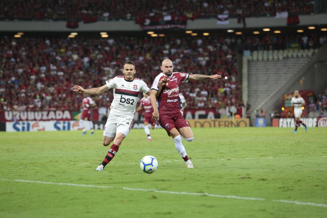FORTALEZA, CE, BRASIL, 16-10-2019:Fortaleza x Flamengo - Campeoinato Brasileiro da Série A - Estádio Castelão. (Foto: Júlio Caesar/O POVO)