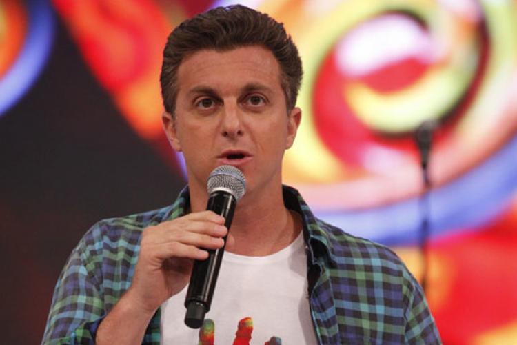 """Apresentador Luciano Huck mantém postura de """"virtual"""" candidato, como na última eleição presidencial (Foto: Divulgação)"""