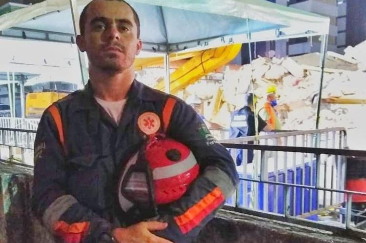 O socorrista Herlon, do Samu Fortaleza, foi um dos profissionais que atuou na operação de resgate das vítimas do Edifício Andrea