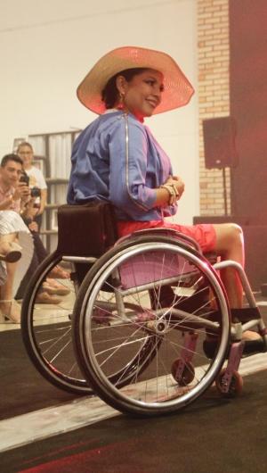Modelo Andréia Farias na 4° Ceará Moda Acessível no Maraponga Mart Moda (Foto: Sandro Valentim/O POVO)