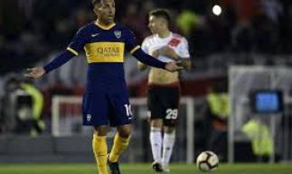 Carlitos Tévez é dúvida para o confronto entre Boca Juniors e River Plate