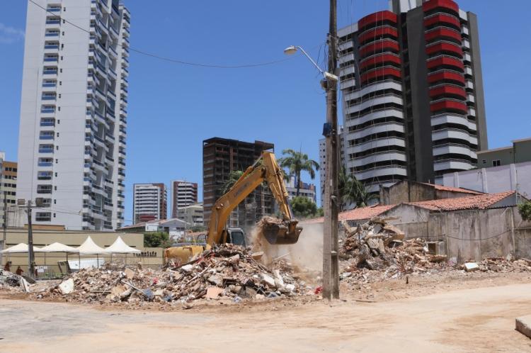 Local dos escombros do edifício Andrea.