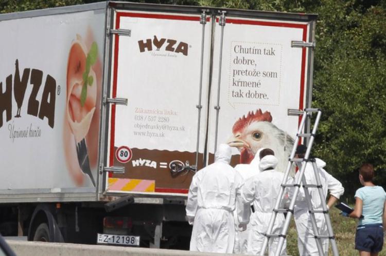 Em outro caso, registrado em 2015, dezenas de imigrantes foram encontrados mortos em um caminhão na Áustria. O veículo, que continha dezenas de corpos, foi achado em uma área de descanso de uma estrada do estado de Burgenland, no leste do país