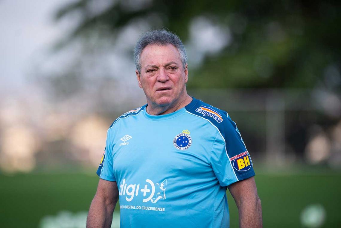 Abel Braga pode ter desfalques para enfrentar o Fortaleza