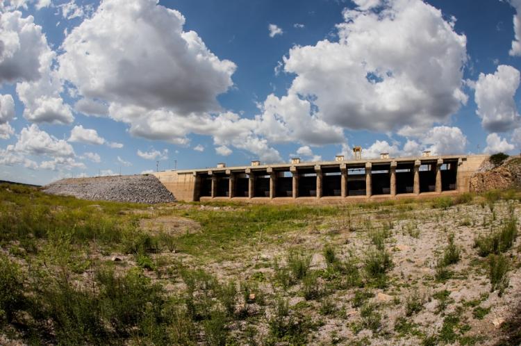 Açude Castanhão está atualmente com volume de 3%, segundo dados da Companhia de Gestão de Recursos Hídricos (Cogerh)