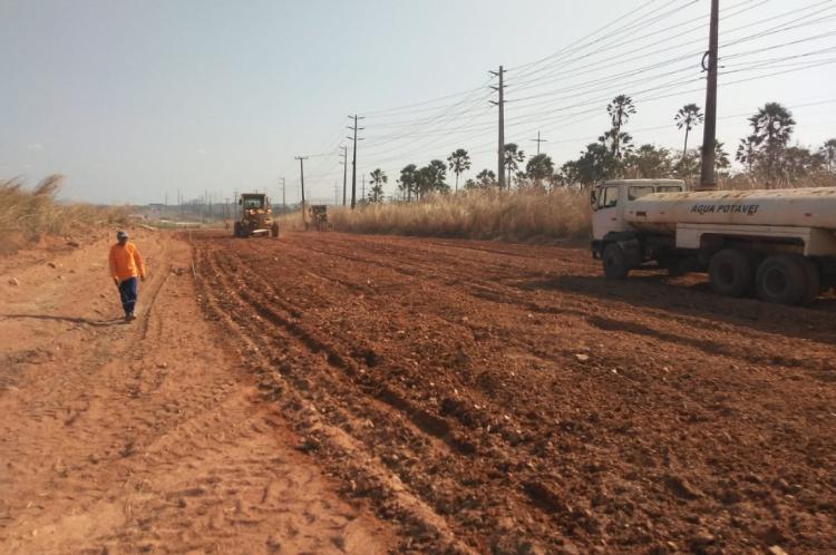 Na quinta-feira, 24, teve início uma operação emergencial de tapa-buraco na atual pista da CE-155