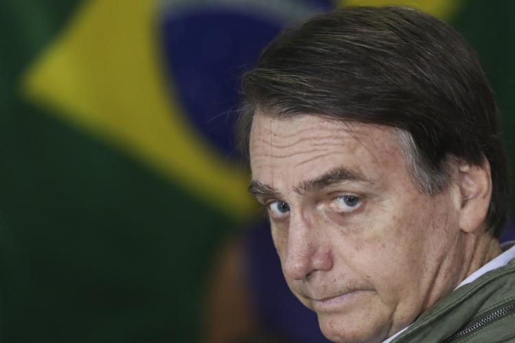 Bairros de Fortaleza registram panelaço contra Jair Bolsonaro nesta quarta-feira, 18. (Foto: RICARDO MORAES / AFP)