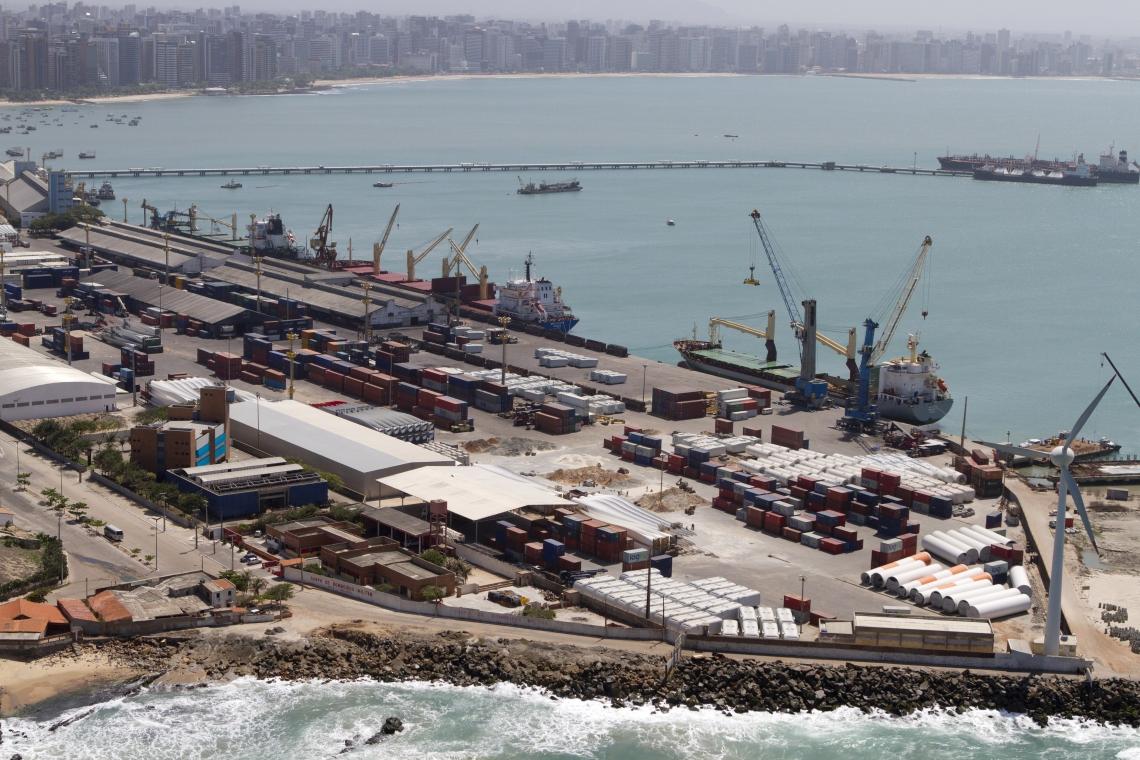 AS OPERAÇÕES do Porto de Fortaleza devem normalizar até amanhã