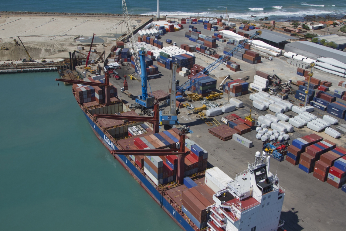 FORTALEZA, CEARÃ., BRASIL, 30-10-2018: Imagens aéreas de diferentes datas do Porto do Mucuripe.Tráfico de drogas pelos portos, complexo portuário do Pecém e Mucuripe. (Foto: Fábio Lima/ O POVO)