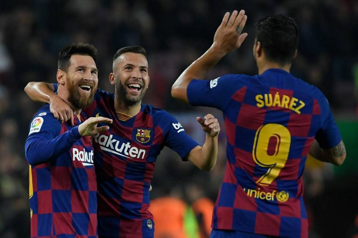 Messi deu assistência para gol de Suárez
