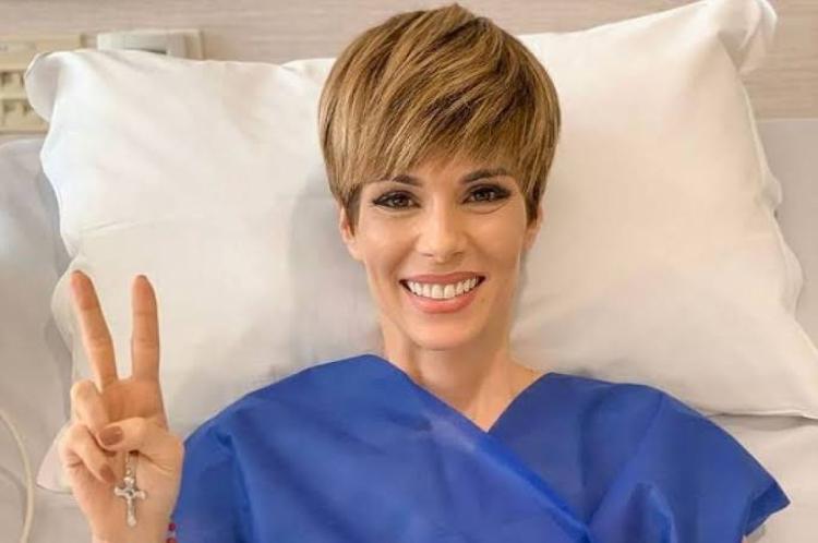 A apresentadora da TV Globo Ana Furtada estampa a capa da revista Ela. Ana enfrentou um câncer neste ano