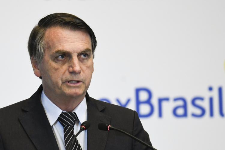 """""""O índio está cada vez mais um ser humano igual a nós"""", afirma Bolsonaro em sua live semanal  (Foto: MADOKA IKEGAMI / POOL / AFP)"""