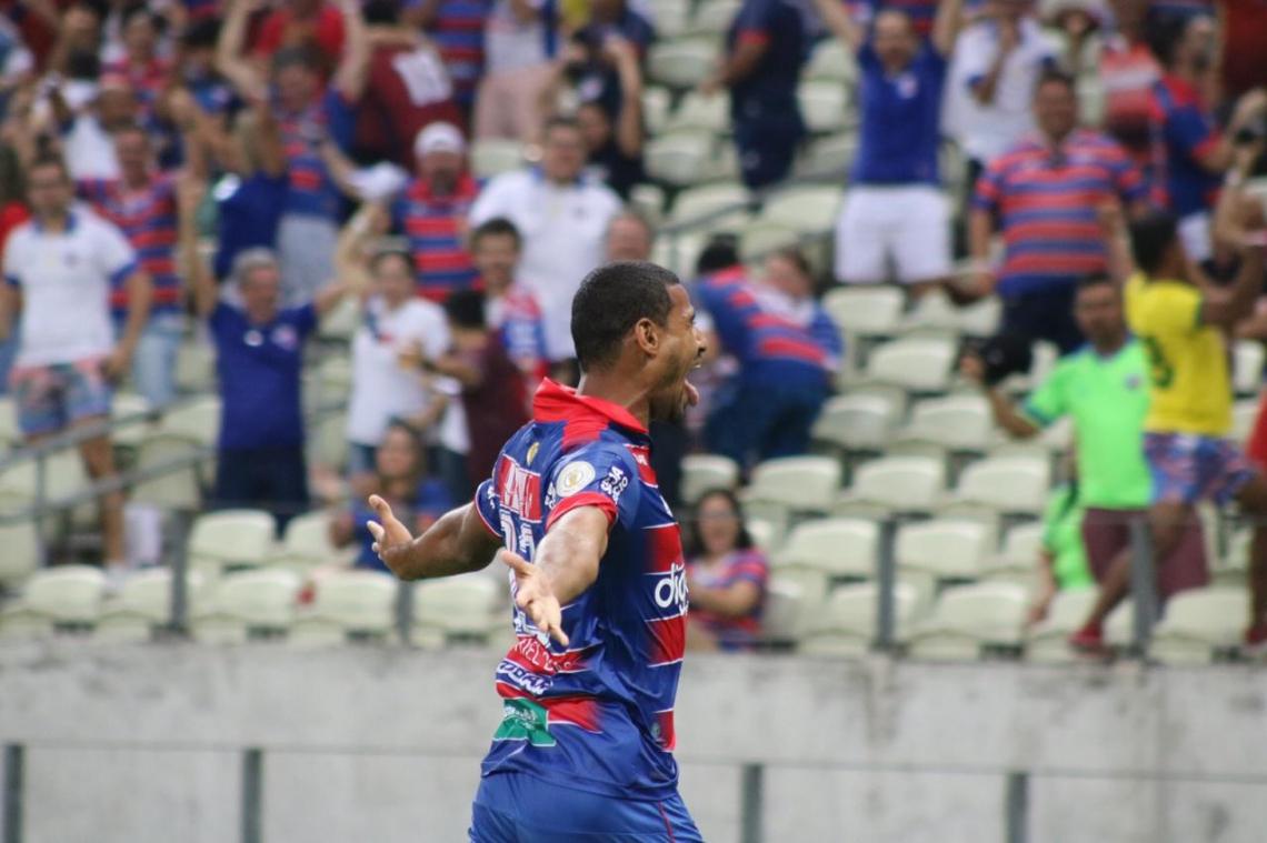 Gabriel Dias marcou os dois gols do Fortaleza na partida.