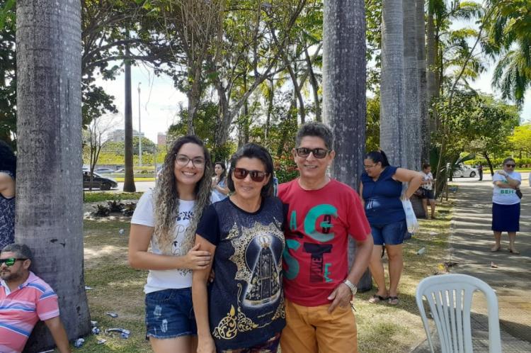 A família do estudante Átila Fernandes, 16, acompanhou o estudante neste domingo