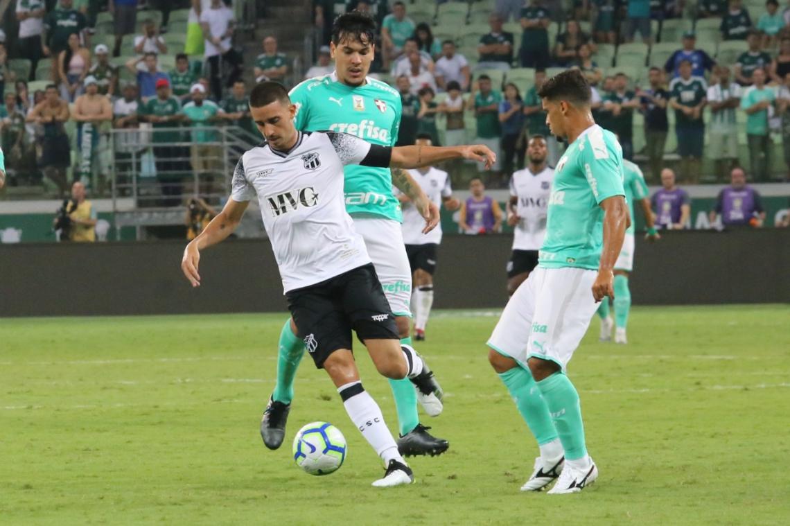 Thiago Galhardo converteu duas de três cobranças de pênalti no Brasileirão.