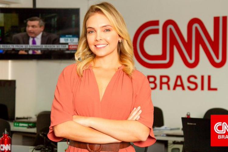 Apresentadora cearense, Taís Lopes, que trabalhava como âncora na CNN Brasil desde novembro de 2019 anunciou estar com Covid-19 nesta quarta-feira, 14 de outubro  (Foto: Divulgação/CNN Brasil)
