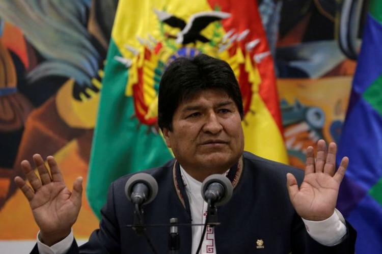 Morales renunciou sob pressão da oposição