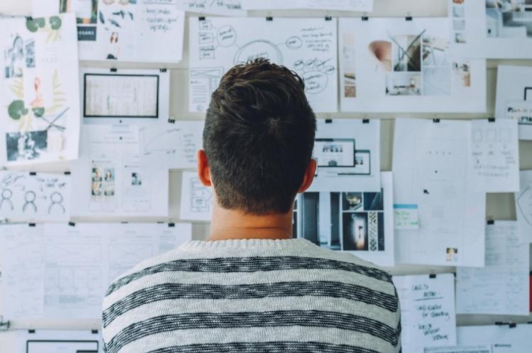 Criar metas possíveis e planejar a realização delas é uma forma de organização e de evitar frustrações no fim do ano
