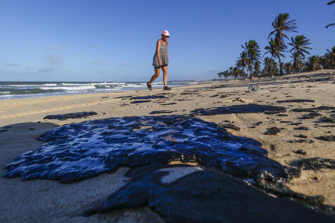 (Foto: ALEX GOMES)FAMOSA internacionalmente como um dos melhores pontos para a prática de kitesurf, praia do Cumbuco volta a ser atingido pelo óleo