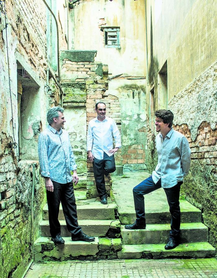 O Trio Corrente se apresenta em Jericoacoara dia 3 de dezembro