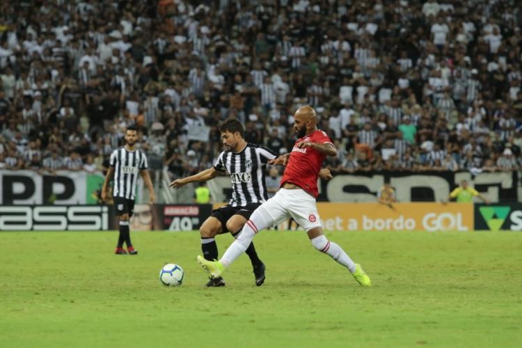 Ceará e Internacional disputam no Castelão a partida válida pela 31ª rodada (Foto: Julio Caesar/O POVO)