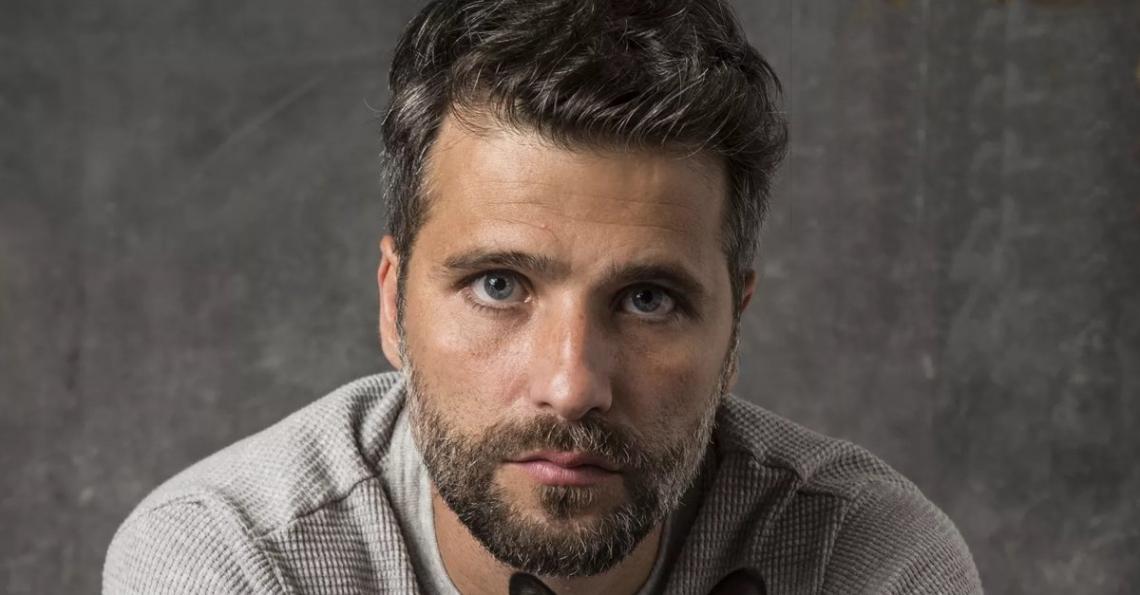 O ator Bruno Gagliasso optou por não renovar seu contrato e anunciou que está deixando a TV Globo após 18 anos.
