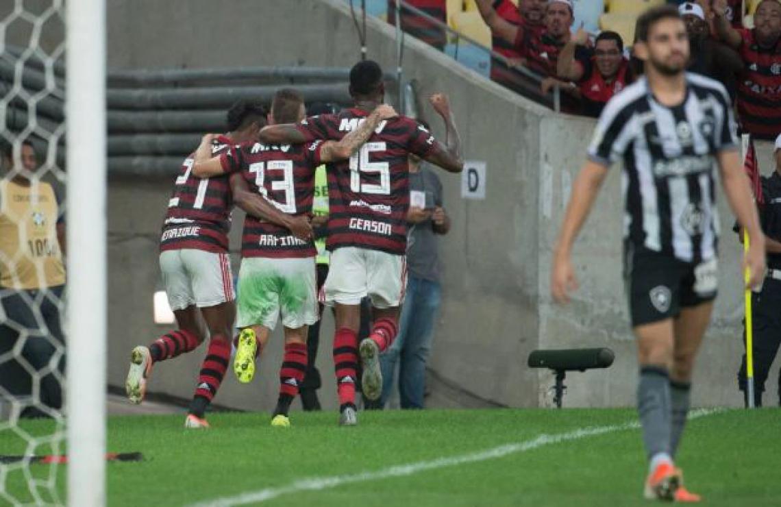 Botafogo X Flamengo Pelo Brasileirao Onde Assistir A Transmissao Ao Vivo E Que Horas E O Jogo De Hoje Futebol Esportes O Povo