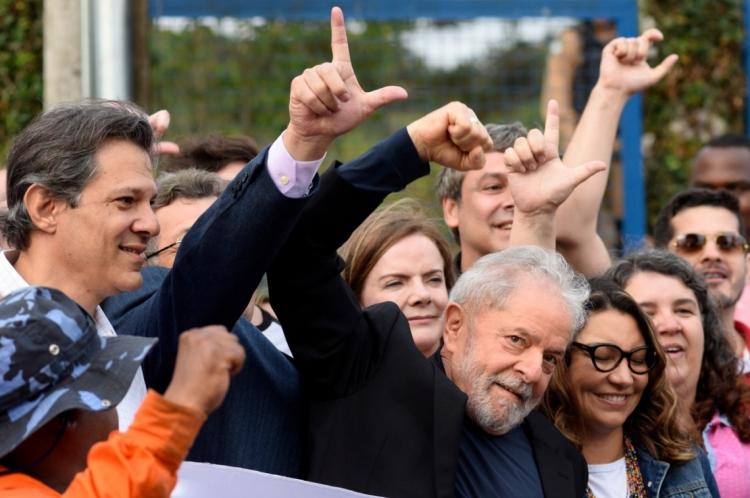 Ex-presidente discursou ao sair da prisão em Curitiba