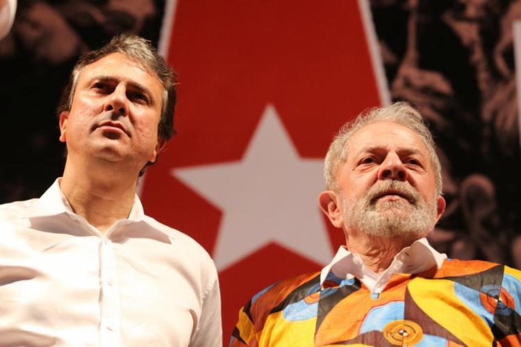 Camilo e Lula durante evento em Quixadá, em 2018 (Foto: FÁBIO LIMA)