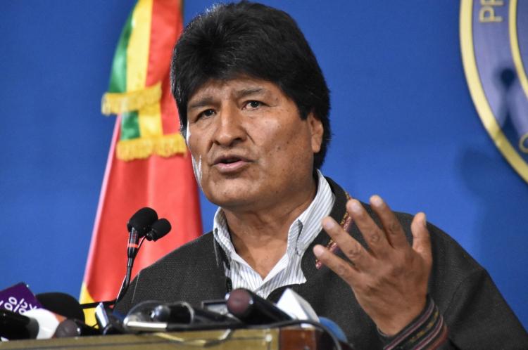 O presidente da Bolívia, Evo Morales, anunciou sua renúncia após três semanas de protestos contra sua reeleição