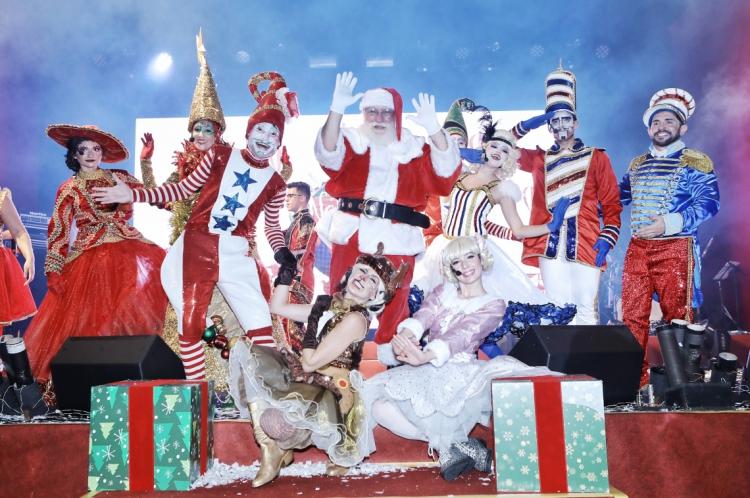 O Papai Noel chegou ao North Shopping Fortaleza neste domingo, 10
