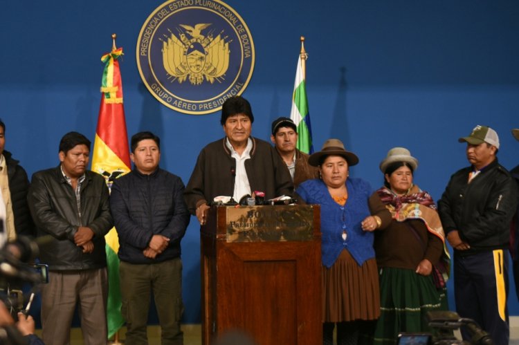 O presidente Evo Morales pediu neste domingo, 10, novas eleições gerais na Bolívia e anunciou a renovação do Tribunal Supremo Eleitoral (TSE), na sequência do relatório da Organização dos Estados Americanos (OEA) realizou uma auditoria integral do processo eleitoral de 20 de outubro passado.