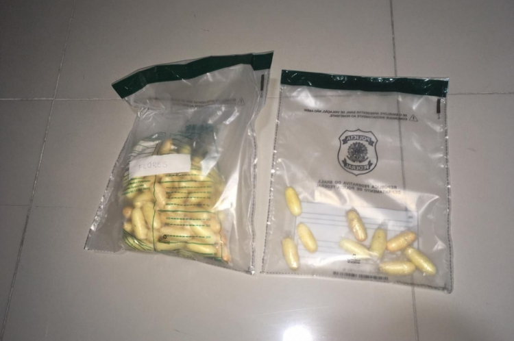 Polícia apreendeu 150 capsulas contendo cocaína