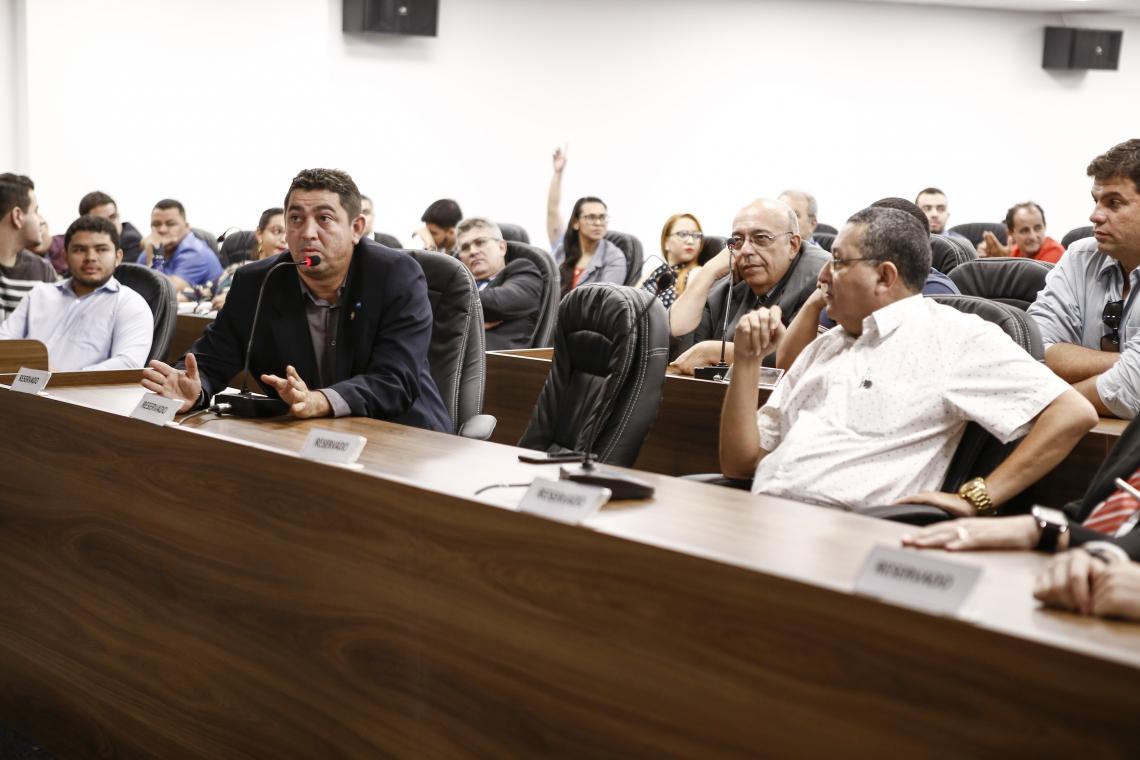 Almeida Filho (à esquerda) foi um dos palestrantes do workshop