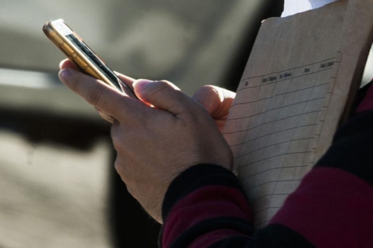 OPERADORAS entram em contato por mensagem de texto, ligações ou pop ups em sites